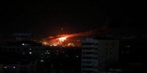 Siyonist İsrail Savaş Uçakları Gazze'yi Hedef Aldı