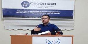 """Sivas Özgür-Der'de """"Dijital Çağda Müslüman Kalmak"""" Kitabı Değerlendirildi"""