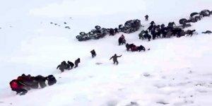 Van'da Trajedi: Çığ Altında Kalanları Aramaya Giden Kurtarma Ekibinin Üzerine de Çığ Düştü!