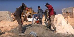 İdlib'de Briket Ev İnşasına Hız Veriyoruz