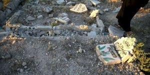 Katil Esed ve İran'a Bağlı Çeteler Mezarlıkları da Tahrip Ediyor