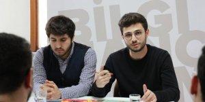 """Özgür-Der Üniversite Gençliği """"Twitter'dan Sonra Bir Tarih Kaldı mı?'' Kitabını Tahlil Etti"""