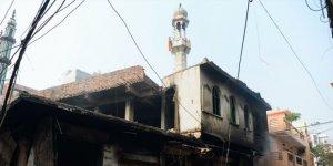 Hindistan'da Hindu Çeteler Camiye Saldırdı