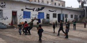 Bombalardan Kaçan İdlibli Aileler Çareyi 'Hapishaneye Girmekte' Buldu