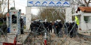 Yunan Polisi Bir Göçmeni Öldürdü