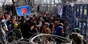 Kadın ve Çocuk Sığınmacılar Yunan Sınır Kapısının Açılması İçin Eylem Yaptı