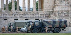 İtalya'da Daha Sıkı Kontrol İçin Ordu Sokağa Çıkıyor