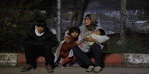 Yunanistan Sığınmacıları Yeşil Lazerle Kör Etmeye Çalışıyor