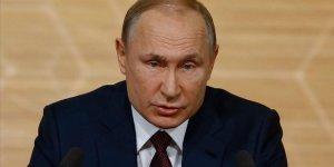 Putin'in Yeniden Seçilmesi Talebi Rusları İkiye Böldü