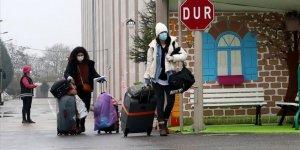 Sakarya'da Karantina Süresi Dolan 631 Kişi Evlerine Gönderiliyor