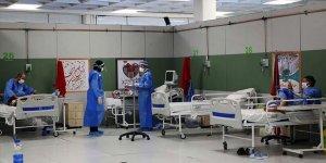 Meşhed'de Yaklaşık 100 Sağlık Personeli Kovid-19'a Yakalandı