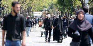 İran'da Koronadan Ölenlerin Sayısı 5 Bin 297'ye Yükseldi