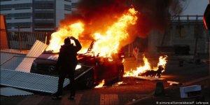 Fransa'da Göçmen Semtleri Karıştı: Yeni Bir 'Banliyö İsyanı' mı Başlıyor?