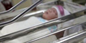 İran'da 800 Gram Ağırlığındaki Bebek Kovid-19'u Yendi