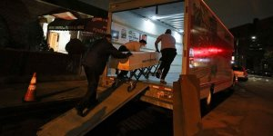ABD'de Dondurucusuz Kamyonetlere Yerleştirilen Cesetlerin Kokusu Çevreye Yayıldı