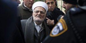 İşgal Güçleri Mescid-i Aksa İmam Hatibi Şeyh İkrime Sabri'yi Gözaltına Aldı