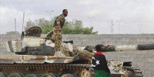 Libya Ordusu Başkentin Güneyindeki Trablus Havalimanı'na İlerliyor