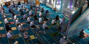 Camilerde Salgın Sürecindeki İkinci Cuma Namazı Kılındı
