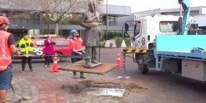 Yeni Zelanda'da Yerli Halkı Katleden John Hamilton'ın Heykeli Kaldırıldı