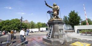 Sömürgeciliği ve Irkçılığı Sembolize Eden Anıt Heykeller Hedefte