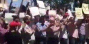 Suveyda'da Rejimin Tehditlerine Rağmen Protestolar Sürüyor