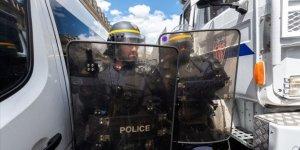 Fransa'da Irkçılık ve Polis Şiddeti Karşıtı Gösteride 26 Kişi Gözaltına Alındı