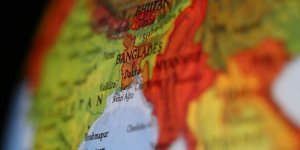 Bangladeş'te İbadethanelere Yeniden Kovid-19 Kısıtlaması Getirildi