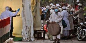 Hindistan'da 13 Bin 586 Yeni Vaka