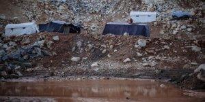 Sağanak Yağmur İdlib'de Can Aldı