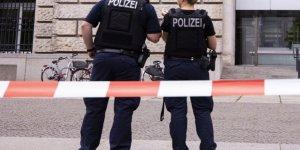Almanya'da Karantinayı Aşmak İsteyenler 8 Polisi Yaraladı