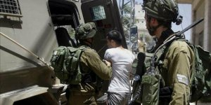 İşgalci İsrail 16 Yaşındaki Filistinliyi Gözaltına Aldı