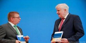 Almanya'da Aşırı Sağcıların Sayısında Artış
