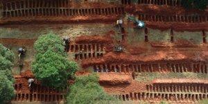 Güney Afrika'da Koronavirüsten Ölenler İçin Toplu Mezarlar Hazırlanıyor