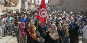 Tunus'un Libya Sınırında Bir Gencin Öldürülmesine Yönelik Tepkiler Sürüyor
