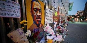 George Floyd'un Ailesi Minneapolis Kenti Ve 4 Polis Memuruna Karşı Dava Açtı
