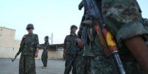 YPG/PKK Deyrizor'da Köylere Baskın Yapıp Sivilleri Alıkoydu