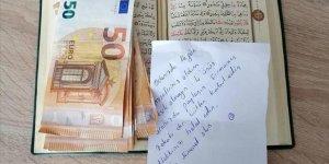 Karantinada Kaldığı Yurt Odasındaki Kur'an-ı Kerim'in Arasına 400 Avro Bıraktı