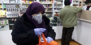İran'da son 24 saatte 165 kişi daha koronavirüsten öldü