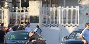 Ayasofya'ya 'Ayasofya-i Kebir Cami-i Şerifi' tabelası asıldı