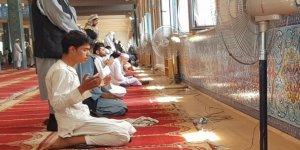 Afganistan'da Ayasofya Camii için şükür namazı kılındı