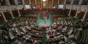 Nahda: BAE, Gannuşi'yi düşürmeleri için milletvekillerine para dağıttı!