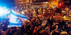 İsrail'de binlerce kişi Netanyahu'nun istifası için sokaklara döküldü