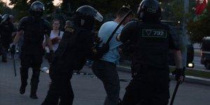 Belarus'taki gösterilerin 4'üncü gününde yaklaşık 700 kişi gözaltına alındı