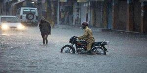 Hindistan'da muson mevsimindeki seller 868 can kaybına neden oldu