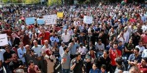 Ürdün'de sendikalarının kapatılmasını protesto eden 1000 öğretmen gözaltına alındı