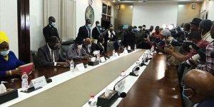 Batı Afrikalı liderler Mali'de taraflarla görüştü