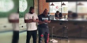Ünlü Boksör Mike Tyson'ın namaz kıldığı anlar sosyal medyanın gündemine oturdu