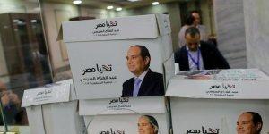 Mısır'da, seçimleri boykot eden 54 milyon kişinin savcılığa sevk edilmesi kararı alındı