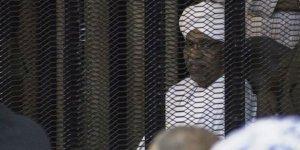 Ömer el-Beşir'in yargılandığı '1989 darbesi' davası 15 Eylül'e ertelendi