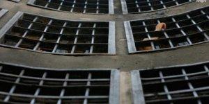 Mısır'da tutuklu muhalif hücre hapsine alındıktan üç gün sonra hayatını kaybetti